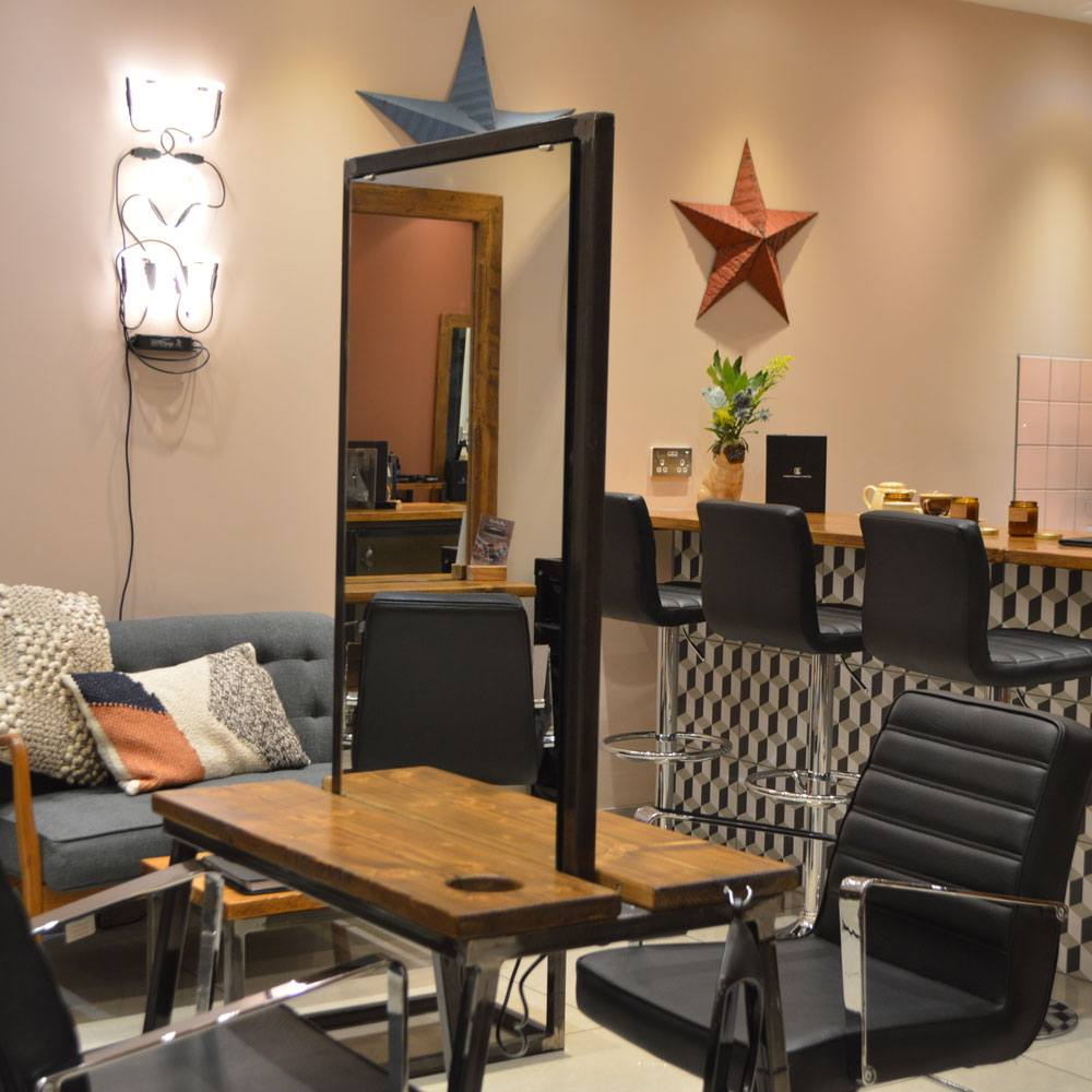 Wallington Hairdressers | Charlie Brown Hair Salon